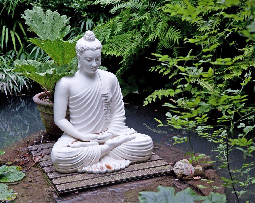 Boeddha Beelden Voor De Tuin.Een Boeddha Als Tuinposter In Uw Tuin Of Een Prachtig Beeld